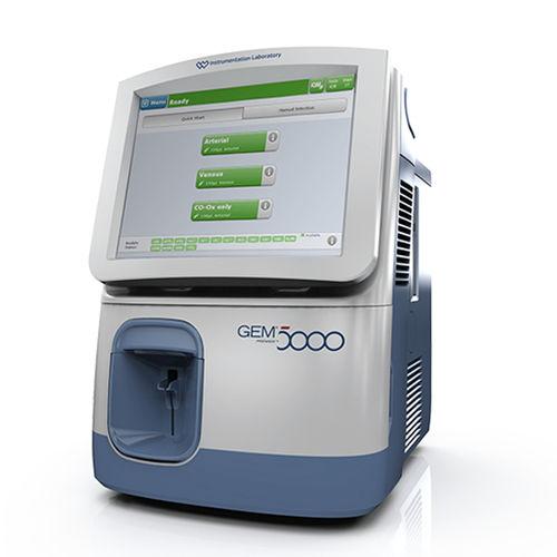 pH值血气分析仪 / 血液代谢产物 / 带有电解质分析 / 人用