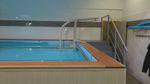 地上康复游泳池